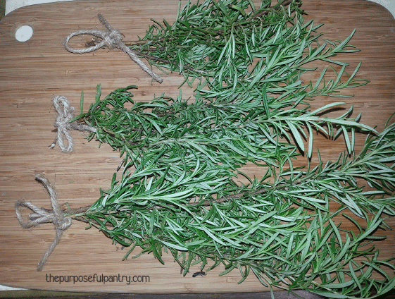 Dehydrate Herbs | Dry Herbs | 6 ways to dry herbs