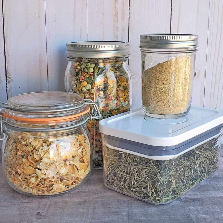4 different storage containers for dehydrated goods